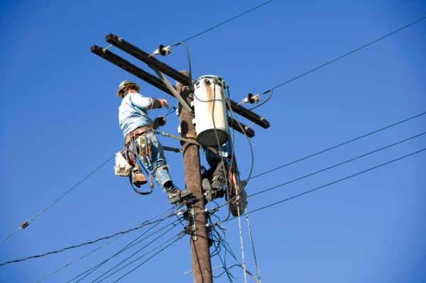 Electrical Power Distribution Wages
